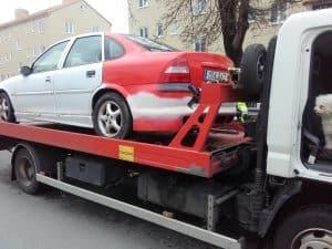 Auktoriserad bilskrot Angered, den som avser att ta hand om uttjänta bilar kan efter ansökan hos Länsstyrelsen få auktorisation. Innan tillstånd kan ges skall upplag för skrotbilar