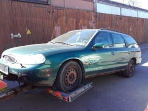 Auktoriserad bilskrot Kungsbacka, den som avser att ta hand om uttjänta bilar kan efter ansökan hos Länsstyrelsen få auktorisation. Innan tillstånd kan ges skall upplag för skrotbilar,