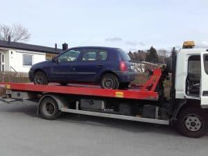 Auktoriserad bilskrot Mölndal, den som avser att ta hand om uttjänta bilar kan efter ansökan hos Länsstyrelsen få auktorisation. Innan tillstånd kan ges skall upplag för skrotbilar