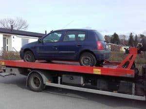 Auktoriserad bilskrot Uddevalla, den som avser att ta hand om uttjänta bilar kan efter ansökan hos Länsstyrelsen få auktorisation. Innan tillstånd kan ges skall upplag för skrotbilar,