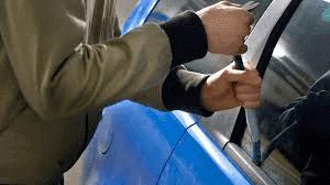 Biltjuvars utveckling har funnits sedan bilen introducerades på marknaden. Och tjuvarnahänger med i biltillverkarnas alltmer sofistikerade utvecklingar av stöldsäkra nyheter.