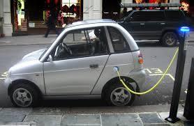 Elbilen är den verkligen miljösmart. Ingen har väl beskrivit en eldriven personbil som miljöfördärvare. Det finns nog enganska klar bild varför så är fallet.