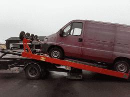 Målvaktarnas inträde bland skrotbilar.Det är inte bara bland skrotbilarna i Göteborg som målvaktarna har hittat ett ostört område attbedriva sin kriminella verksamhet i.