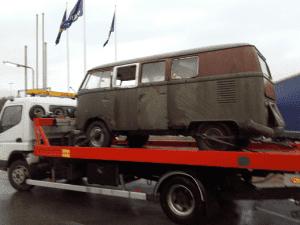 Det är ett känt faktum att många skrotbilar i Sverige inte lämnas in för skrotning. Många inlägg göres idebatten om skrotbilarnas miljöproblem.