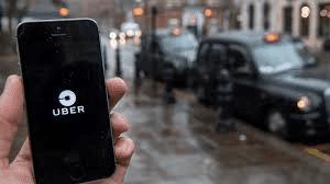 Uber källa till skattefusk. Det amerikanska företaget erbjuder taxiresor som beställes och betalas via internet genom en Uber-app.