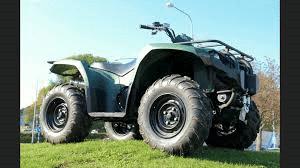 Det rullar många förbjudna fordon på allmänna vägar samt enskilda områden. Anledningen till detta är att ägare eller förare tror att de funnit ett kryphål i lagen. I första hand gäller anmärkningarna på mopeder och fyrhjulingar.