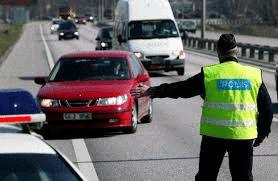 Bristen av trafikpolisens övervakning på våra vägar är välbekant. Orsakerna som i första hand beror påunderbemanning av poliskåren är väl också kända