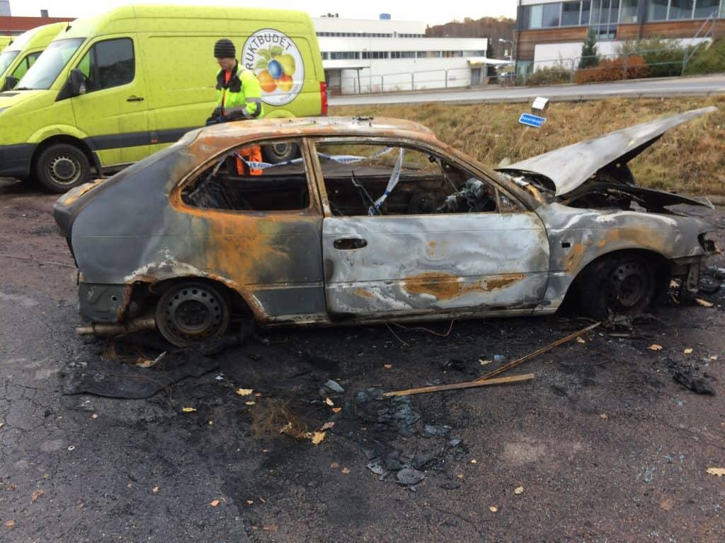 Åmål - Säffle Bildemontering AB . Det finns många bilskrotar i Åmål. Flertalet av dessa har specialiserats för återvinning alternativt återanvändning av det som klassats som skrot av ägaren.