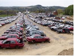 Bildemontering och bilskrotning betyder samma sak. Några företag  skruvar bort samt lagerför delar och komponenter för återanvändning som  begagnade bildelar